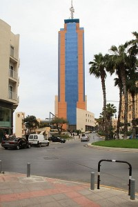 400px-Malta_-_St._Julian's_-_Vjal_Portomaso+Portomaso_Tower_01_ies