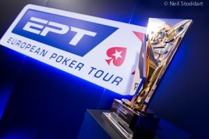 NEIL7182_EPT10LON_Trophy_Neil Stoddart
